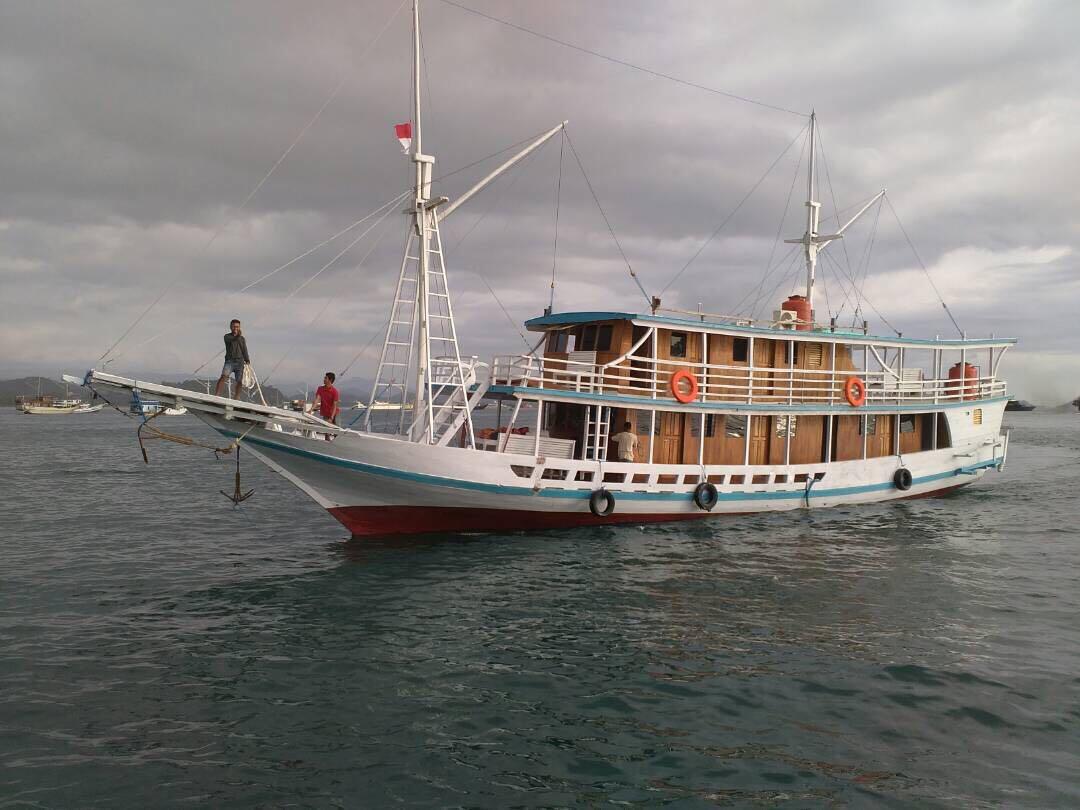 komodo private sea villa 3 days