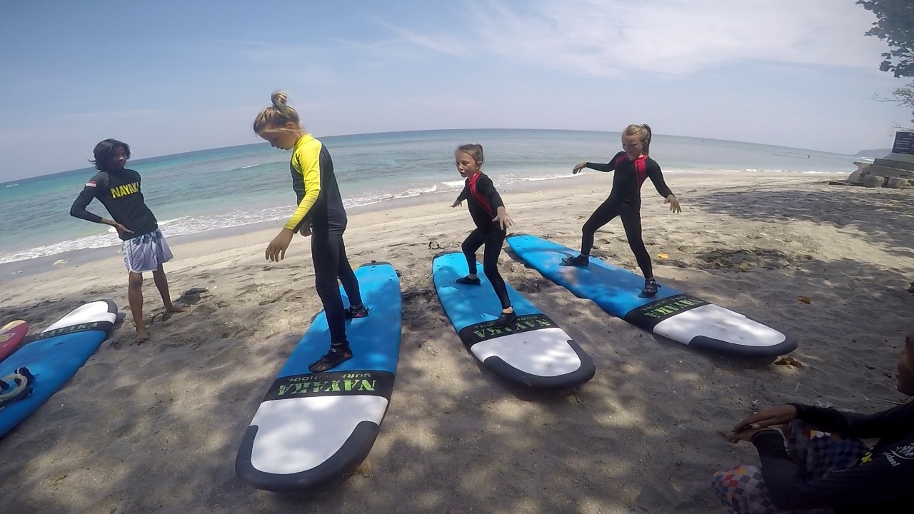 senggigi kids surf lesson
