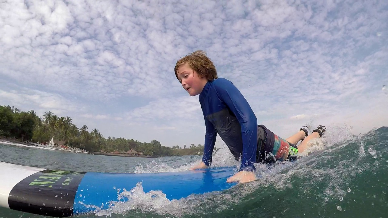 beginner surf trip senggigi