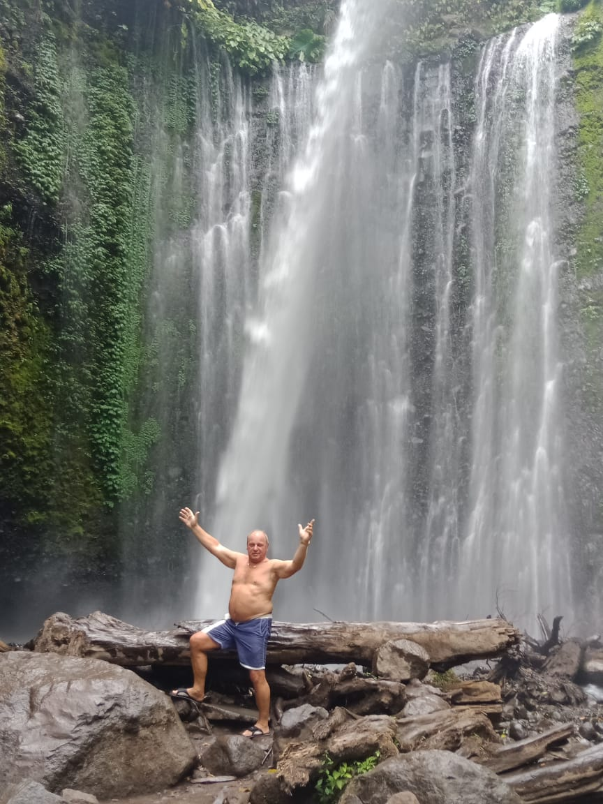 excursion waterfall sendang gila