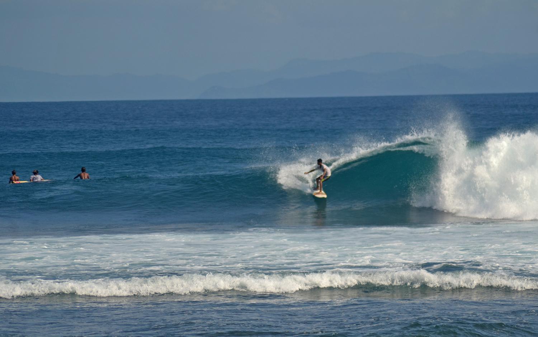 intermidiate senggigi surf